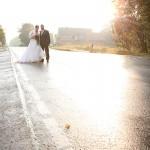 Hochzeitsfotos-Brautpaar-Straße